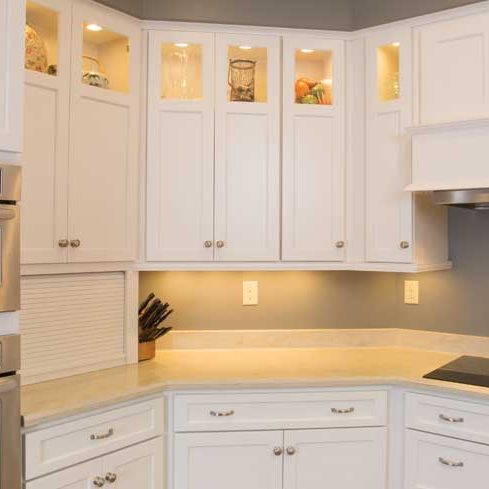 Roseville door style in Maple finished in Marshmallow Cream